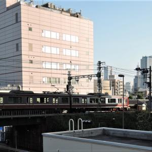 京浜急行仲木戸駅界隈