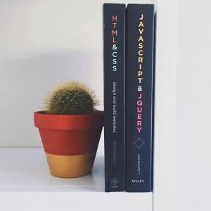 本棚はいらない!ミニマリストの本を増やさずに読書を楽しむ方法