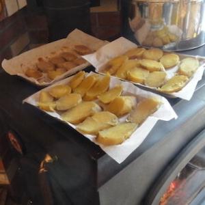 続「A級グルメ」の干し芋は薪ストーブで
