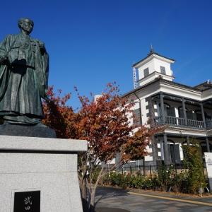 藤村記念館の秋バラ