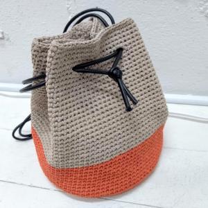 """かぎ針編み細編みの""""円編み""""で配色巾着バッグを作りました"""
