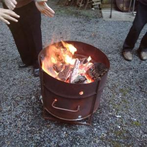 焚き火が恋しい季節になりました。