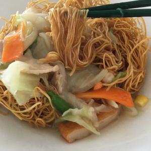 【休日のお昼ごはん】長崎ちゃんぽん(リンガーハット)の皿うどん