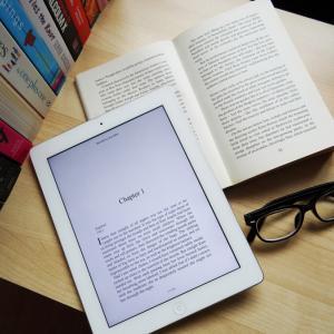 電子書籍と紙の本どっちがいい?それぞれのメリット・デメリットをまとめてみた