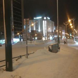 🐻小樽・札幌管内の風雪❕夜遅く迄交通網に乱れ❕長沼ではホワイトアウト現象❕