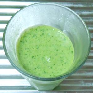 基本の小松菜とバナナの豆乳スムージーレシピ