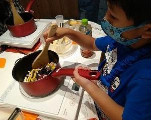 ミッキーマウス/グラタンパン・コンソメスープ