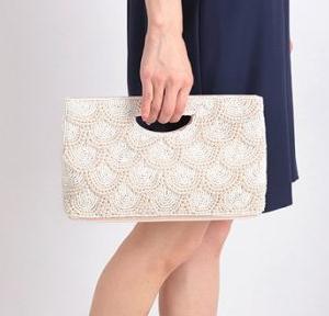 パールビーズデコバッグは華やかなシーンに人気のアイティム!