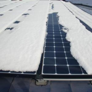 太陽光パネルの除雪④