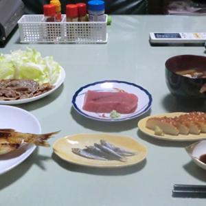 今日の晩ごはんはまぐろの刺身と豚肉のソテーで一杯📷街角ぶらり旅01-17