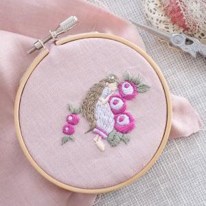 【幼稚園グッズ】annasさん、樋口由美子さんの刺繍でランチョンマット作り