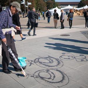 上野公園のお絵かきおじさん