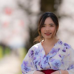 浴衣の女性と桜と:常願寺公園