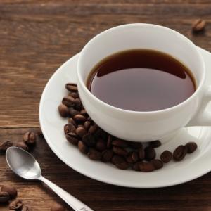 津田健次郎さんは、夏でもホットコーヒーが飲みたい