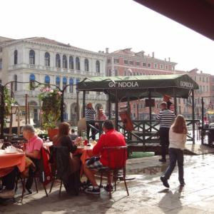 【フリー音楽】ヨーロッパの街並みをイメージした曲