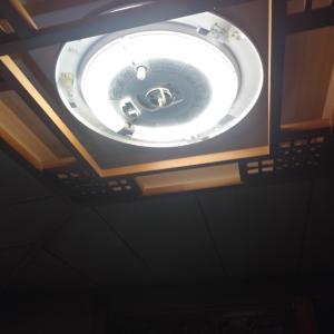 LEDシーリングライト交換とスイッチ交換です。