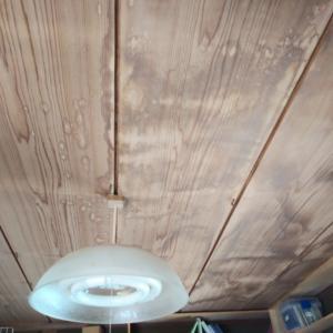 吊り天井補強工事です。