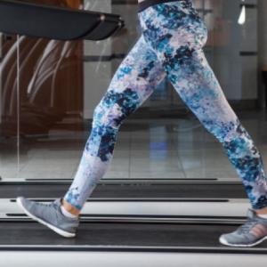【歩行の基礎】逆振り子運動と歩行周期について