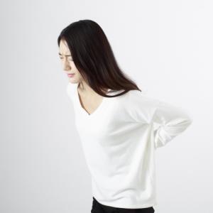 歩く時に腰が痛くなる原因は◯◯が原因で腰へ負担がかかっているから!
