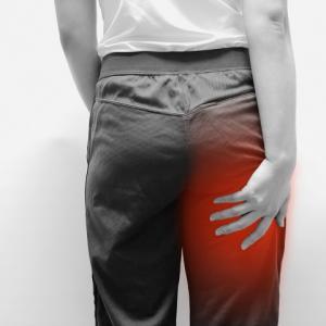 その坐骨神経痛の原因は?自分で改善するための生活と体操