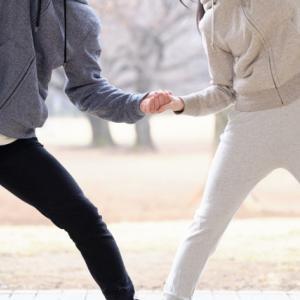 男性は外旋傾向で女性は内旋傾向?股関節の性差について