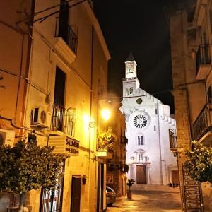ブーツの踵で彷徨って【南イタリア・バーリと近郊の街】