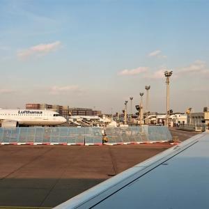 貝のように閉じてゆくドイツに戻ってきました。