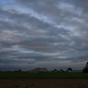 道南爺様日記 妖しく夕日に輝き光る函館山20200722