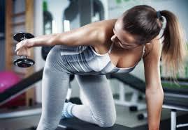 三頭の運動として、腕を伸ばす方を重視するか、押すことを重視するかのどっちかだよね