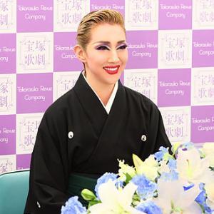 ◆宝塚歌劇団◆ 星組『紅 ゆずる』宝塚は心が震えるほど愛する場所