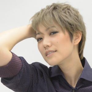 """◆宝塚歌劇団◆ 星組『七海ひろき』これからは、""""チーム七海""""で新ジャンルを切り開いていきたい"""