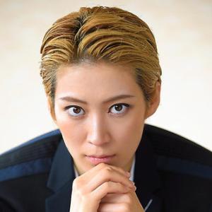◆宝塚歌劇団◆ 星組『瀬央ゆりあ』さまのツィート集めてみました。12月8日