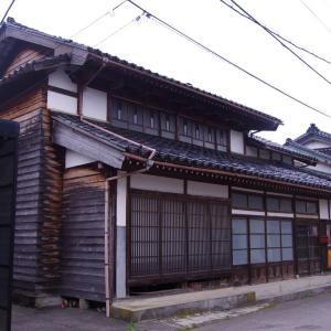 【売買】350万円 富山県氷見市小久米 集落の中心部にある かまど付き古民家