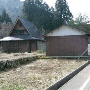 【売買】350万円 富山県南砺市東赤尾 珍しい屋根裏二層の隠れ家的別荘 倉庫・車庫付き 上下水道