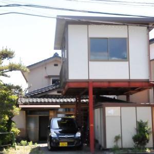 【売買】300万円 長野県伊那市美篶 保育園・小学校・スーパーが近い 物置付き2階建
