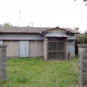 【売買】140万円 千葉県長生郡白子町古所 バス停・病院・コンビニが1km以内 庭に駐車可能な平屋