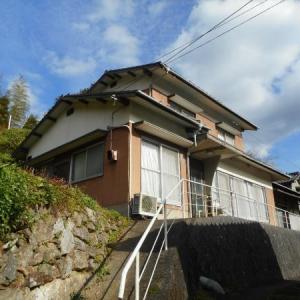 【売買】350万円 愛媛県大洲市平野町 丘の上から里山と田園風景が見える 倉庫付き2階建 駐車用地付き