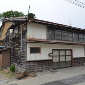 【売買】150万円 新潟県佐渡市吉井 スーパー・郵便局・バス停近い 店舗スペース付き2階建