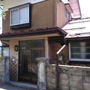 【売買】350万円 長野県大町市大町 インナー車庫・庭・物置付き2階建 バス停近い