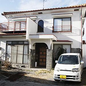 【売買】350万円 長野県小諸市三和 市街地エリア サンルーム・駐車場付き2階建 上下水道