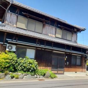 【売買】300万円 香川県三豊市仁尾町 海に近い生活便利な住宅地 リビングリフォーム済みの2階建