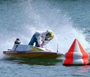 【二毛作】パチンカスライター、競艇ファンを煽る【にわか】