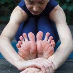 「足の発達と姿勢」~靴から考えよう~