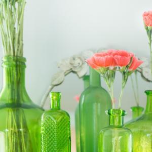 【BloomeeLIFEに使える】花瓶にすればオシャレに化ける空き瓶&いろんな容器