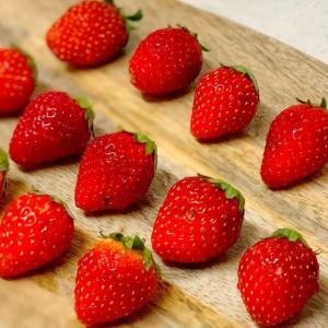 痛みかけた苺は自家製ジャムに生まれ変わる【使い切りレシピ】