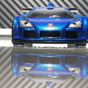 【siku】 Gumpert Apollo  。