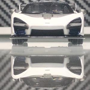 MINI GT  McLaren  Senna  。