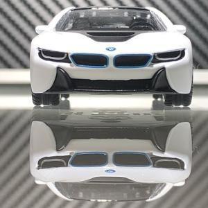 siku  BMW i8  ジク  。