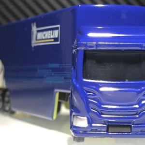 【TOMICA】 MICHELIN TRANSPOTER  。