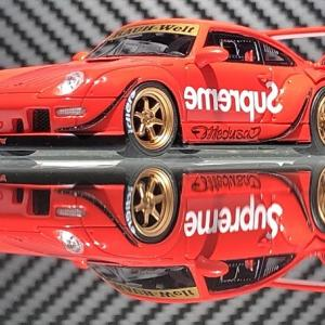 Supreme Porsche  RWB 993   シュプリーム  。